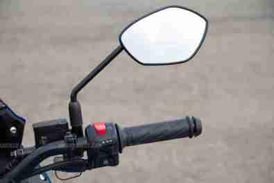 Suzuki Gixxer SF images - right switch gear