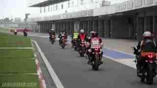 Yamaha YZF-R3 Buddh International Circuit pitlane