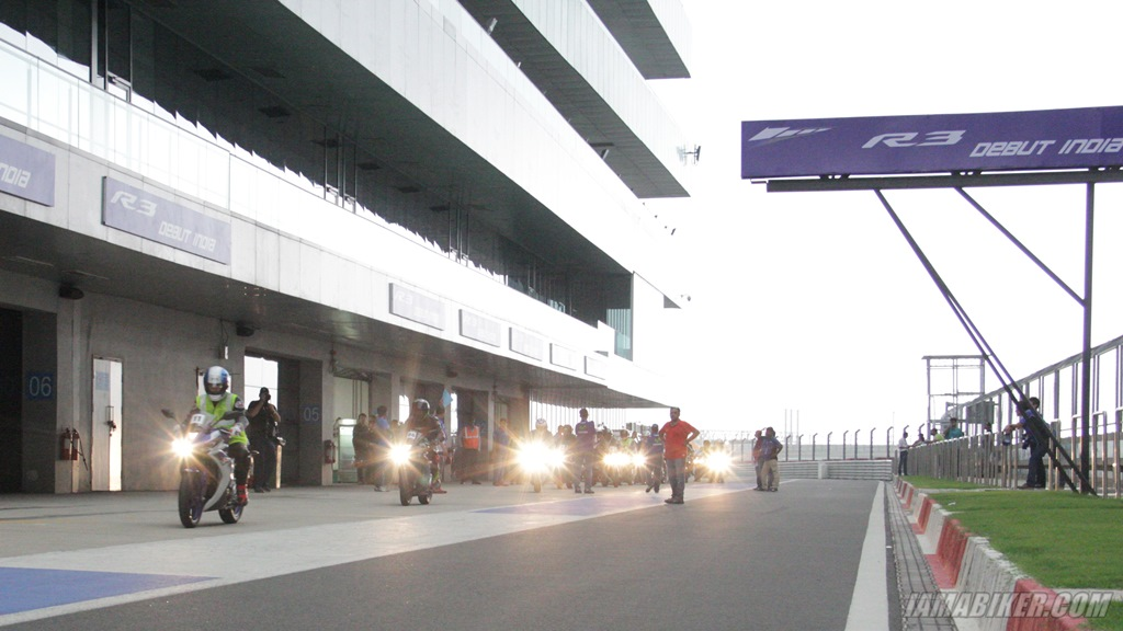 Yamaha YZF-R3 Buddh International Circuit
