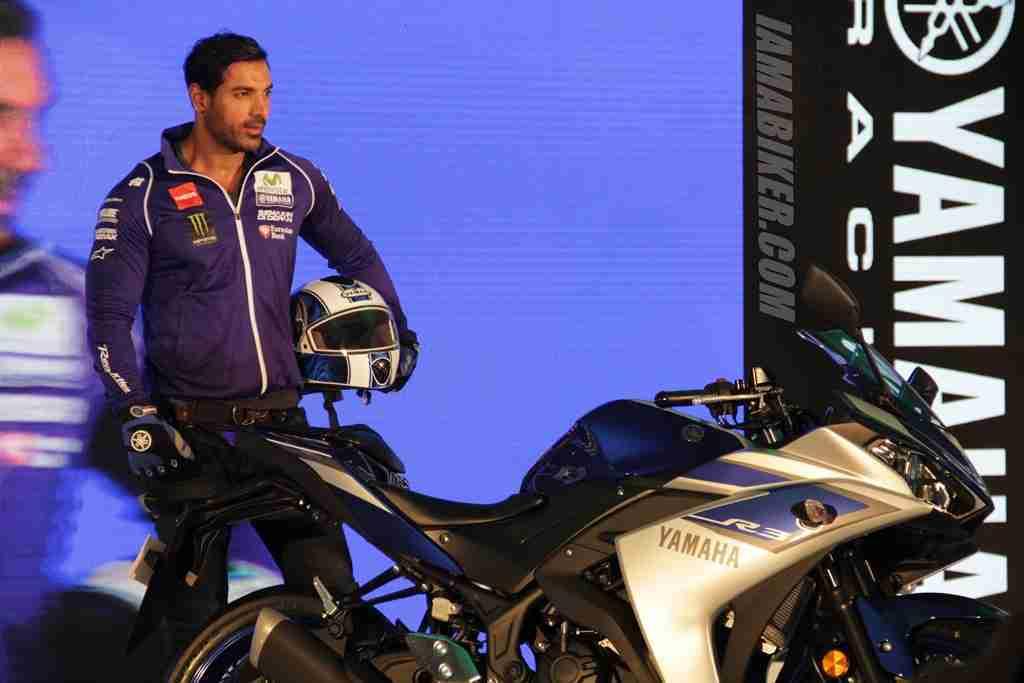 Yamaha YZF R3 John Abraham