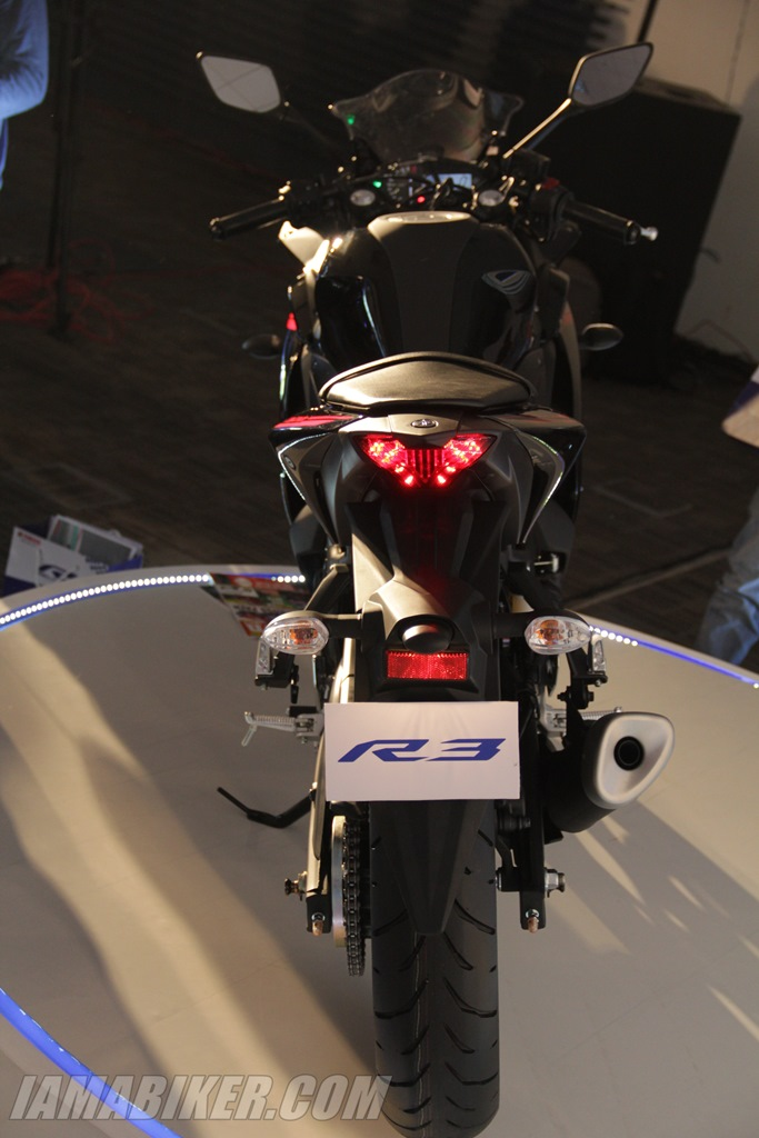 Yamaha YZF-R3 top view