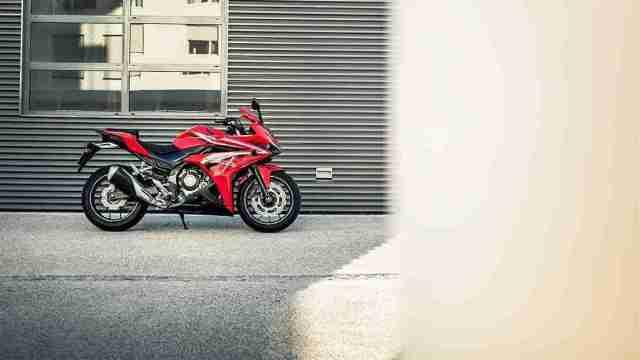 2016 Honda CBR500R wallpaper