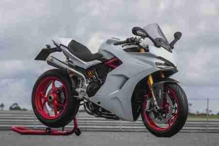 Ducati SuperSport S White Sport Pack