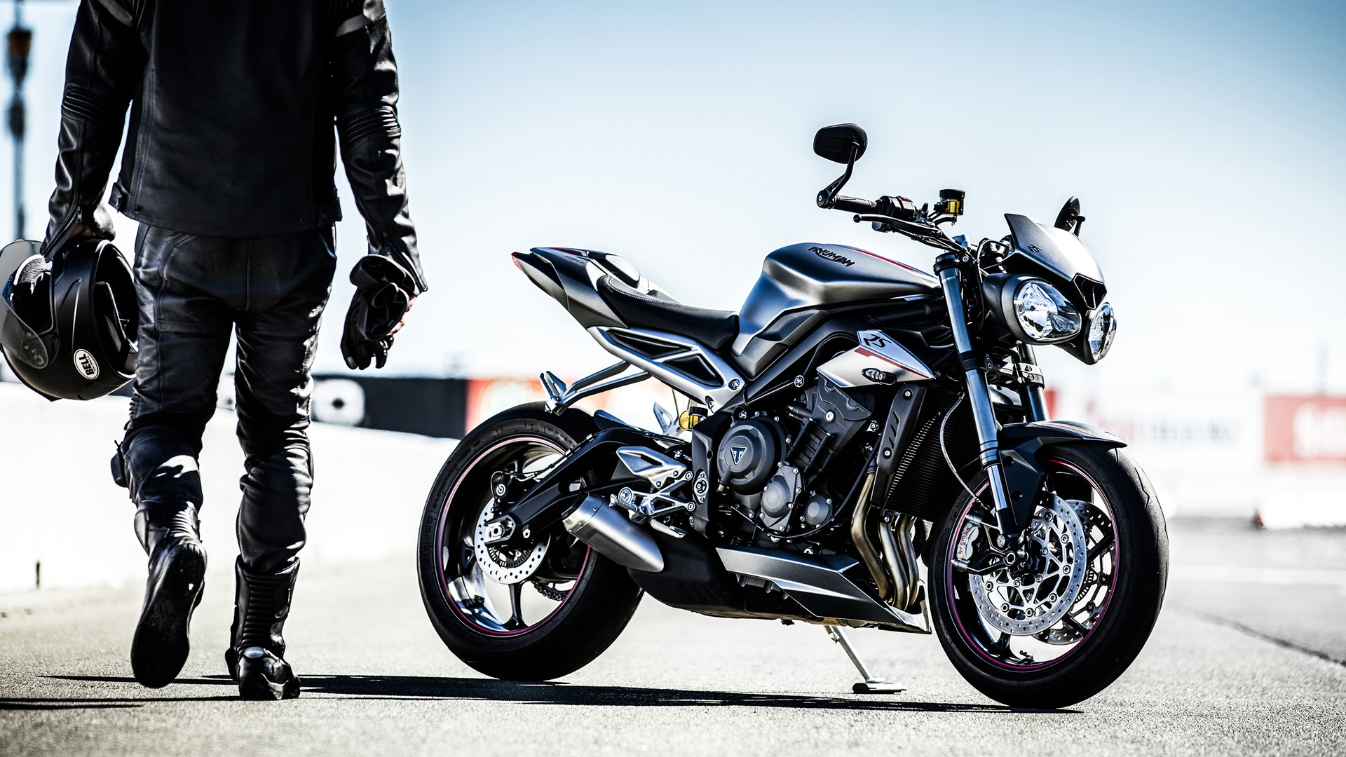 triumph street triple rs makes it to india at a price of rs lakh iamabiker. Black Bedroom Furniture Sets. Home Design Ideas