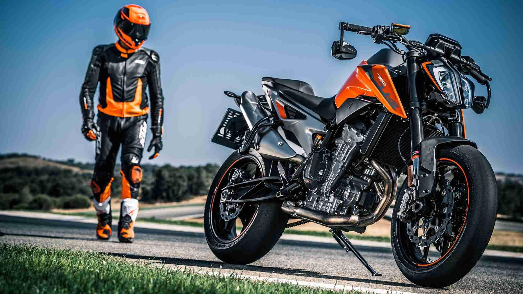 2018 KTM 790 Duke images | IAMABIKER