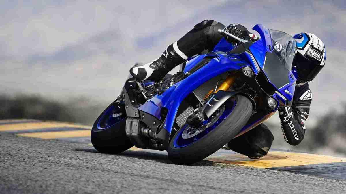 2018 Yamaha YZF-R1 images