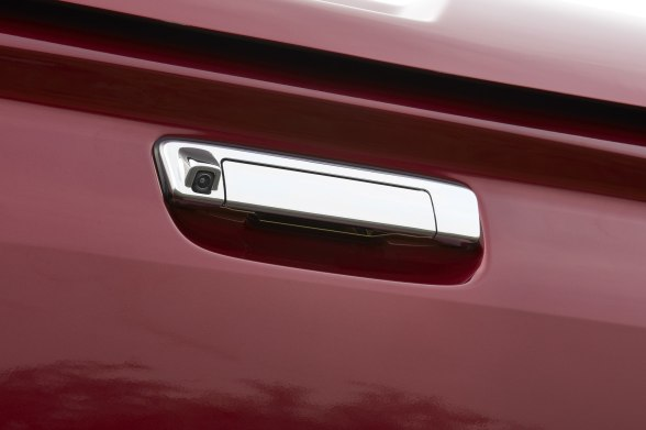 2018 ISUZU D-MAX V-Cross -Rear-view camera at tailgate