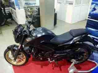 Dominar 400 colour option matt black