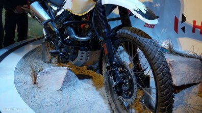 Hero XPulse 200 tyre disc brake ABS