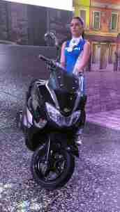 Suzuki Burgman Street black