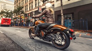 Kawasaki Vulcan S Orange colour