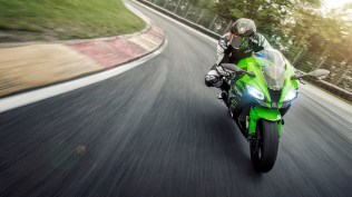 India assembled Kawasaki Ninja ZX-10R wallpaper