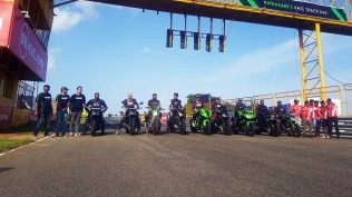 Kawasaki owners track day