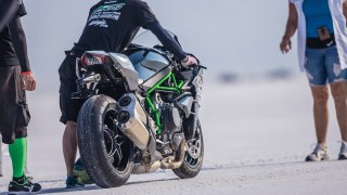 Kawasaki Ninja H2 with Team 38 Bonneville