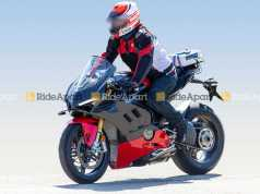 Ducati Panigale V4 Superleggera spy shot