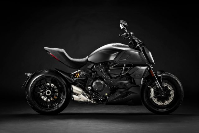 2020-Ducati Diavel 1260 S-Dark Stealth