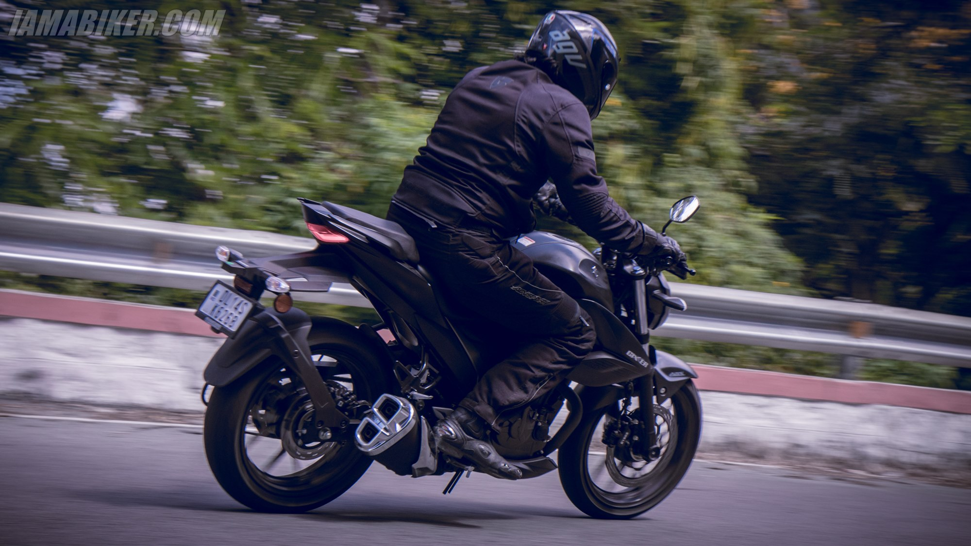 Suzuki Gixxer 250 handling and braking