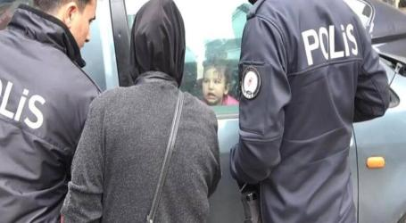 إسطنبول.. أم سورية تترك طفلتها داخل سيارة مقفلة والشرطة تتدخل