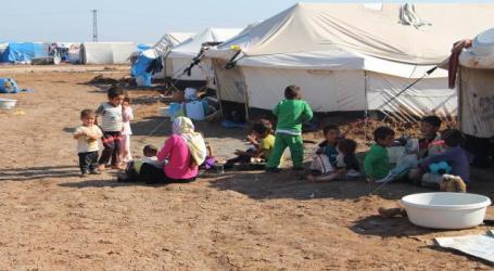 """النازحون شمالي سوريا يعيشون أوضاعا """"مروعة"""" وفيروس كورونا يزيد معاناتهم"""