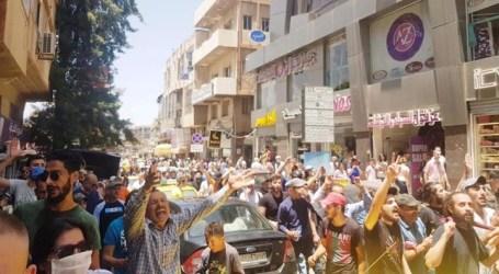 """السويداء تستمر بالمظاهرات لليوم الثاني على التوالي المنادية برحيل """"الأسد"""""""