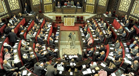 مجلس الشعب يمنع عضوا من المداخلة والأخير يكشف عن ملفات فساد ويهدد