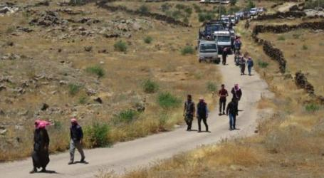 بعد تهجيرهم.. عدد قليل من عوائل منطقة اللجاة شرق درعا يعودون إليها