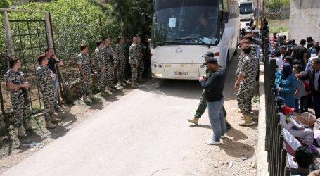 لبنان يرحّل لاجئين ويسلمهم للسلطة السورية