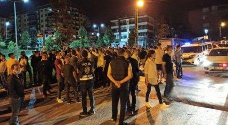 السوريون في أنقرة يعيشون ليلة قاسية.. تدمير ممتلكات وأعمال شغب ما القصة؟