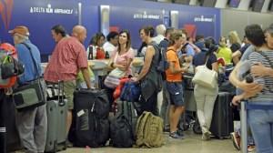 DL Passengers Stranded