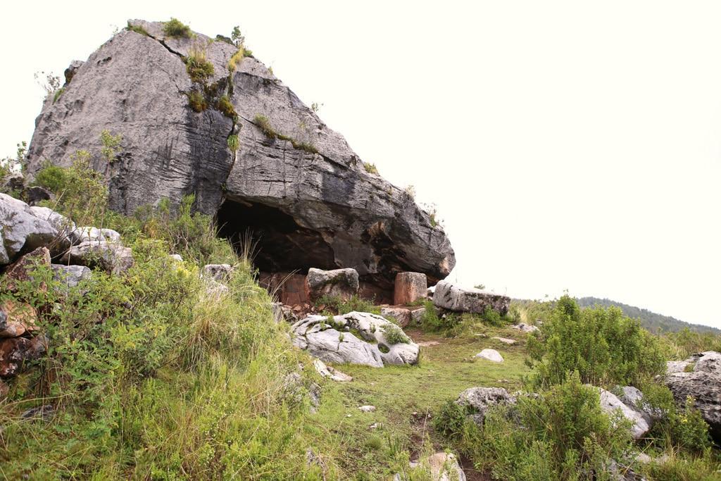 Inca-stone-cave