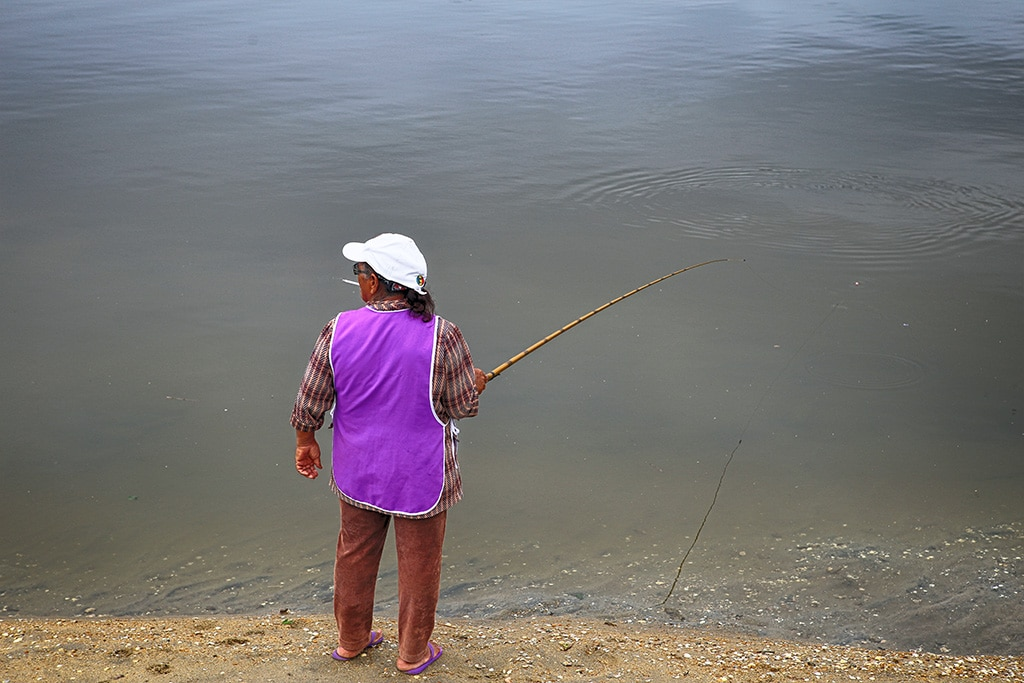 women fishing