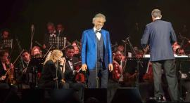 Bocelli on stage [Why-Athens]