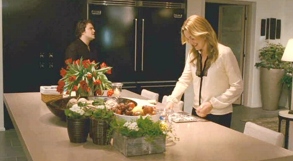 the-holiday-jack-black-kate-winslet-kitchen.jpg