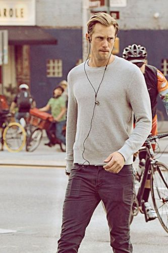 Alexander Skarsgard takes a stroll in SoHo New York. Pictured: Alexander Skarsgard Ref: SPL523377  090413   Picture by: Splash News Splash News and Pictures Los Angeles:310-821-2666 New York:212-619-2666 London:870-934-2666 photodesk@splashnews.com