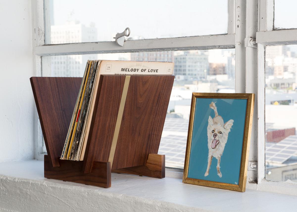 Flip Tabletop Vinyl Storage  LUNO