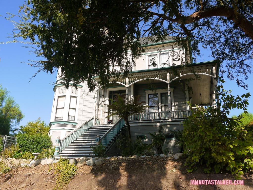 Terrific The Smith Estate From Insidious Chapter 2 Iamnotastalker Home Interior And Landscaping Mentranervesignezvosmurscom
