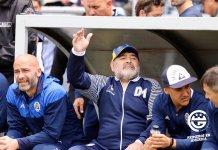 Diego Maradona se quiere quedar en Gimnasia