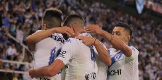 Vélez le gana a Colón