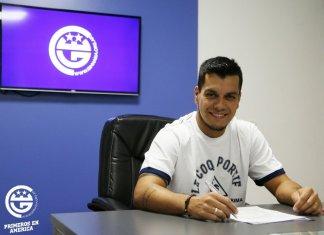 Matías Pérez García firmó en Gimnasia
