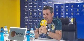 Diego Cocca en conferencia de prensa