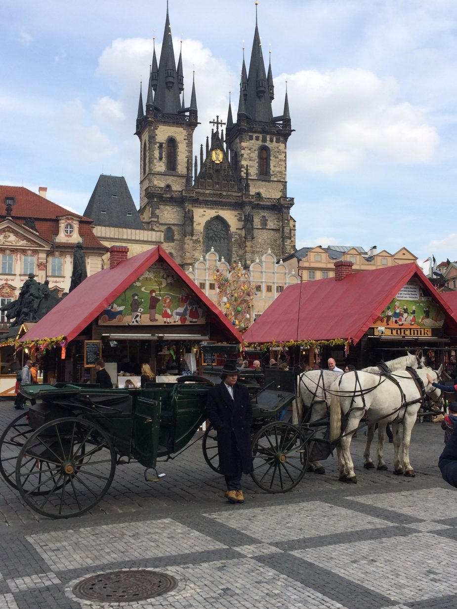Pasen op het bekende plein in Praag