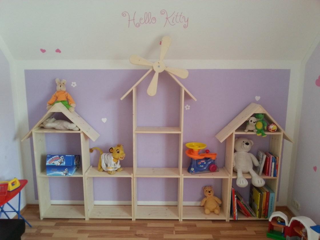 Regalwand für Kinderzimmer selber bauen