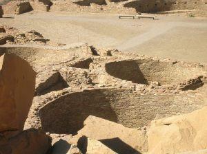 Round kivas in Pueblo Bonito (click to enlarge).
