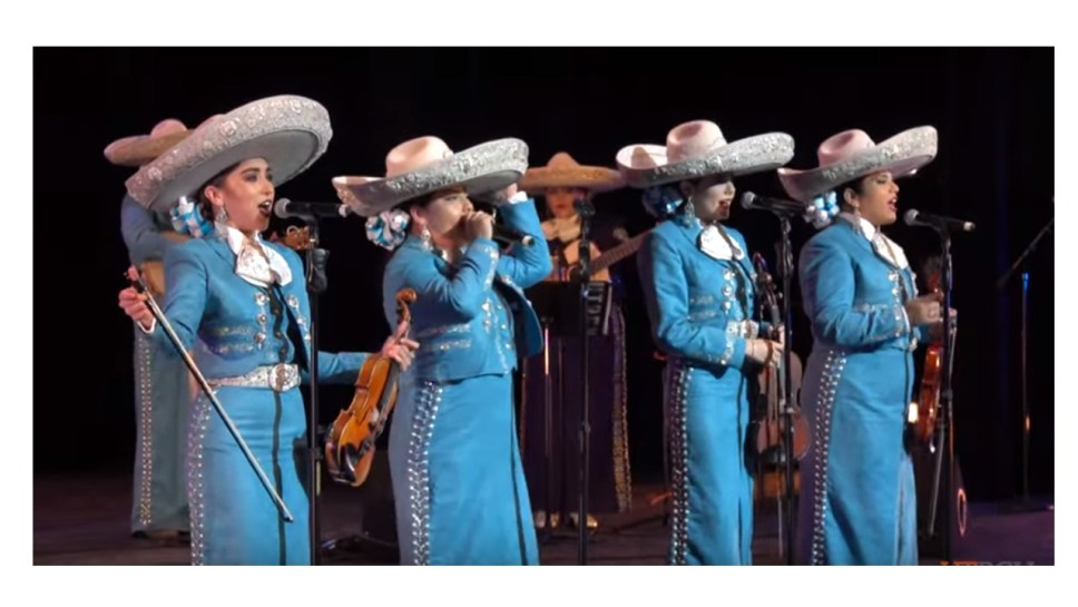 This image has an empty alt attribute; its file name is Mariachi-band.jpg