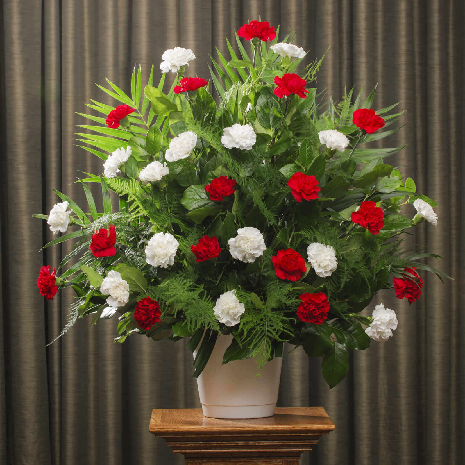 funeral carnation 30 red