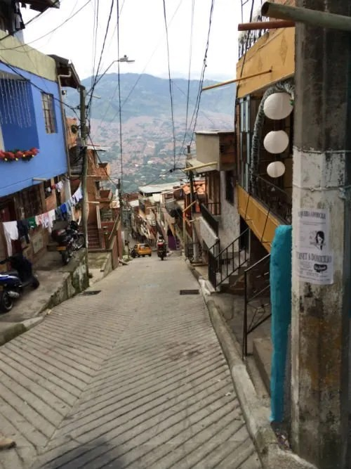 medellin-colombia-barrio