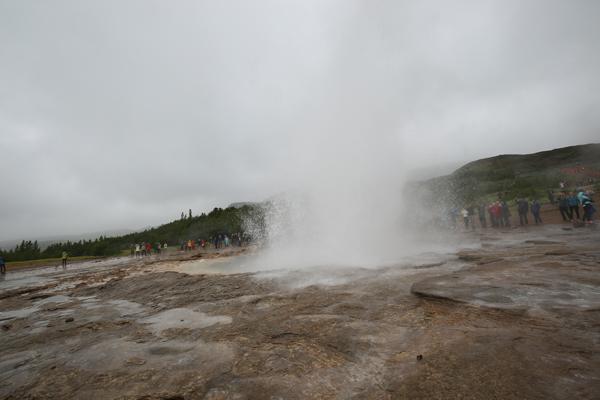 Azura-June16-Golden-Circle-Strokkur-geyser