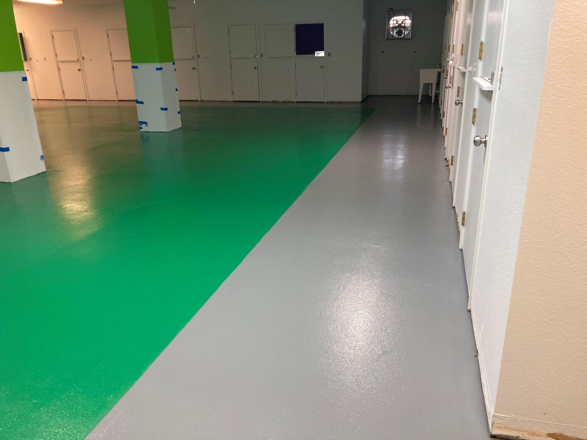 Concrete floor coatings, epoxy floor coatings, epoxy coatings, Industrial Applications Inc, TeamIA, epoxy floor coating, Pet kennels, kennel flooring