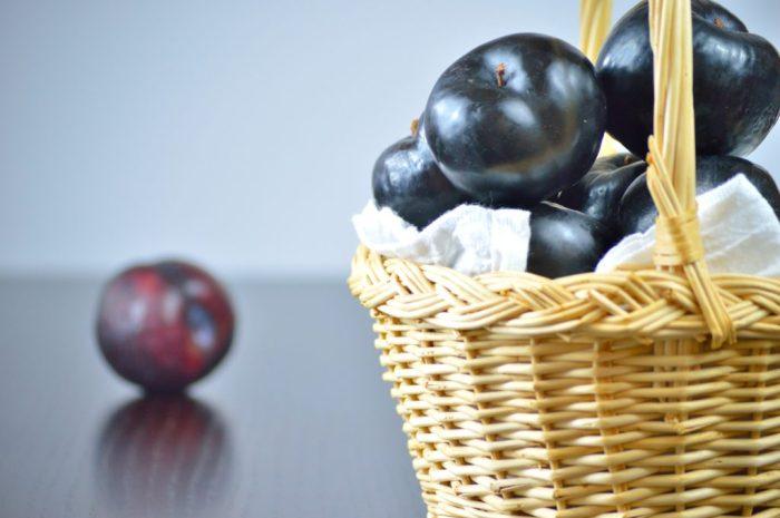 plum olive oil cake 1