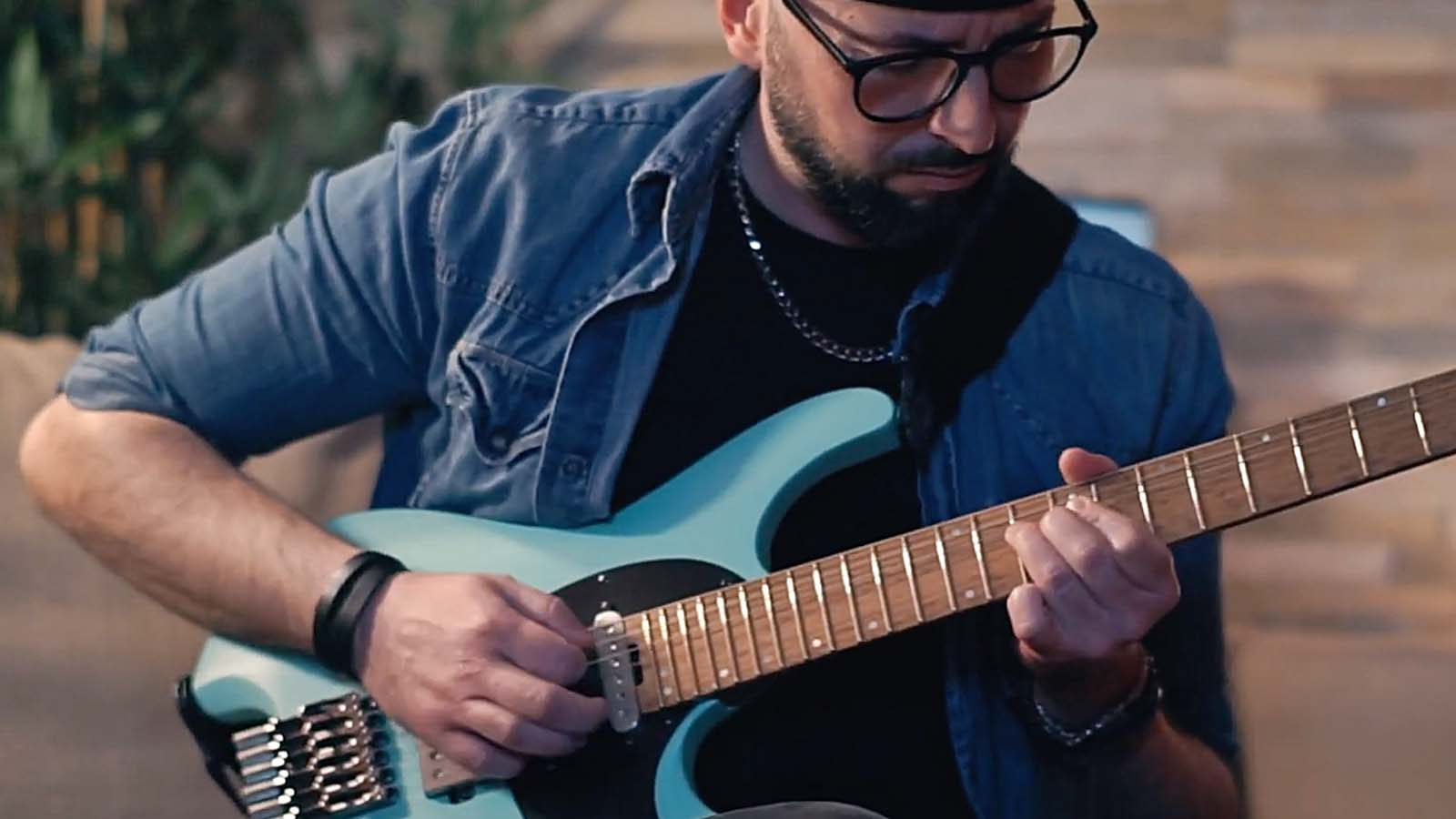 hight resolution of videos ibanez artcore vibrante hollow body guitar